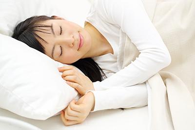 冬の睡眠術」で冷えを防ぎ、肌ケアを!